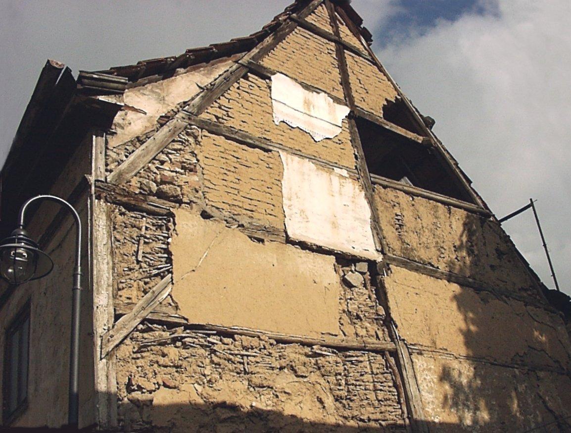 abandoned-housing